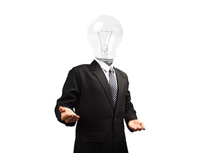 Le prof d'entrepreneuriat a des idées lumineuses, mais ses cours sont électriques et son discours trop ampoulé...