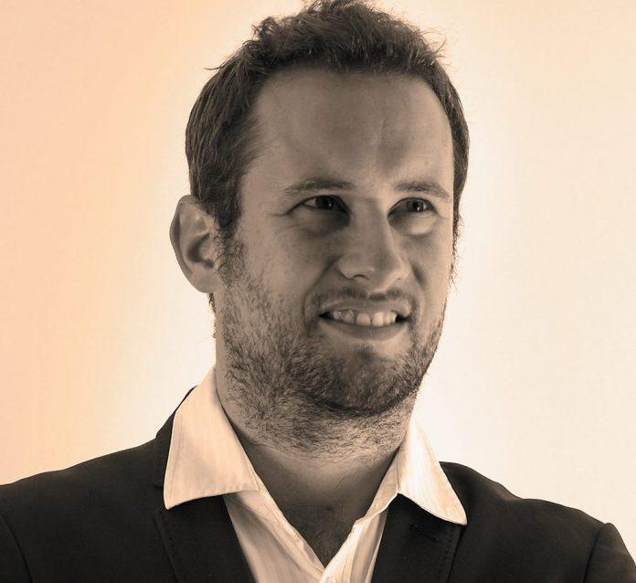 Julien Leclercq, directeur général agence Com'Presse Editions Yakabooks, auteur de Journal d'un salaud de patron (Ed. Fayard) www.salauddepatron.fr