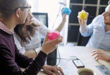 Des séances de brainstorming hautes en couleurs au sein du WAI...