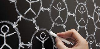 Une quête perpetuelle d'interconnexions qui peut se révéler lucrative...