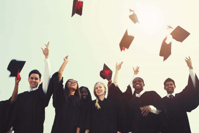 Anciens étudiants, nouveaux diplômés, futurs associés?