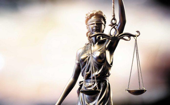 Une justice qui ne serait plus si aveugle tant elle sait lire le langage binaire...