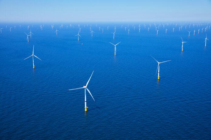 Un nouveau parc éolien en mer se prépare en France, le huitième.
