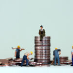Louis Maurin estime qu'il faudrait davantage cibler les 20 % plus riches pour réduire les inégalités.